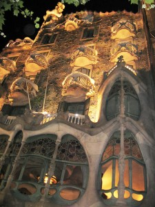 Casa-Batllo-night