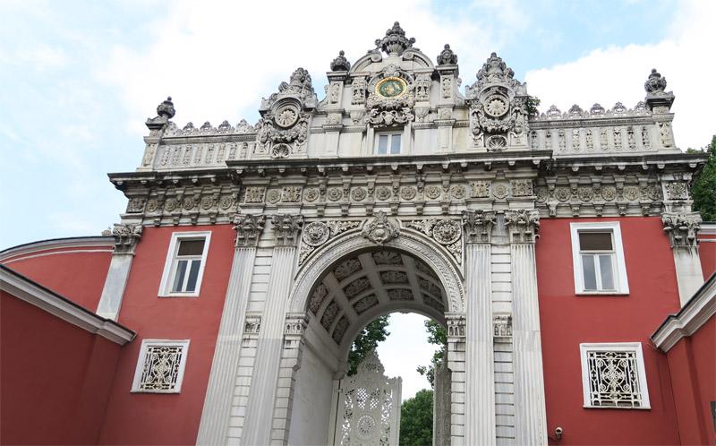 ドルマバフチェ宮殿最後の門
