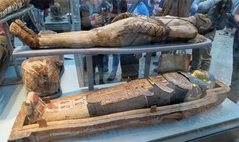 12.大英博物館 棺とミイラ