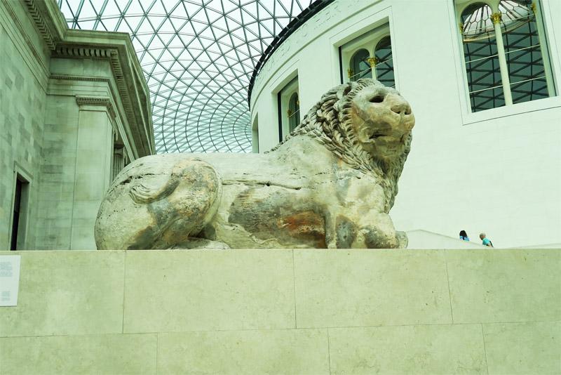 12.大英博物館 白ライオン