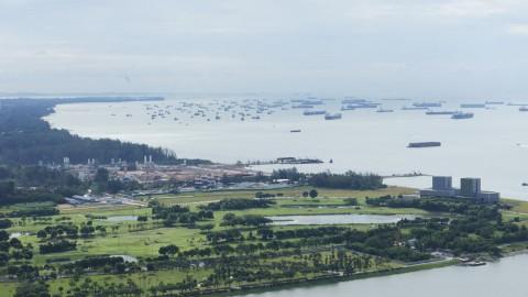 マリーナ・ベイ・サンズから見た無数の船