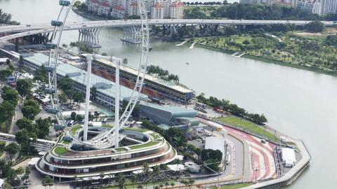 マリーナ・ベイ・サンズから見たF1シンガポール会場