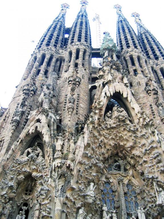 Barcelona-Sagrada-Familia-bottom