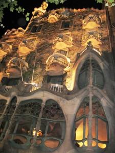 Casa-Batllo-night