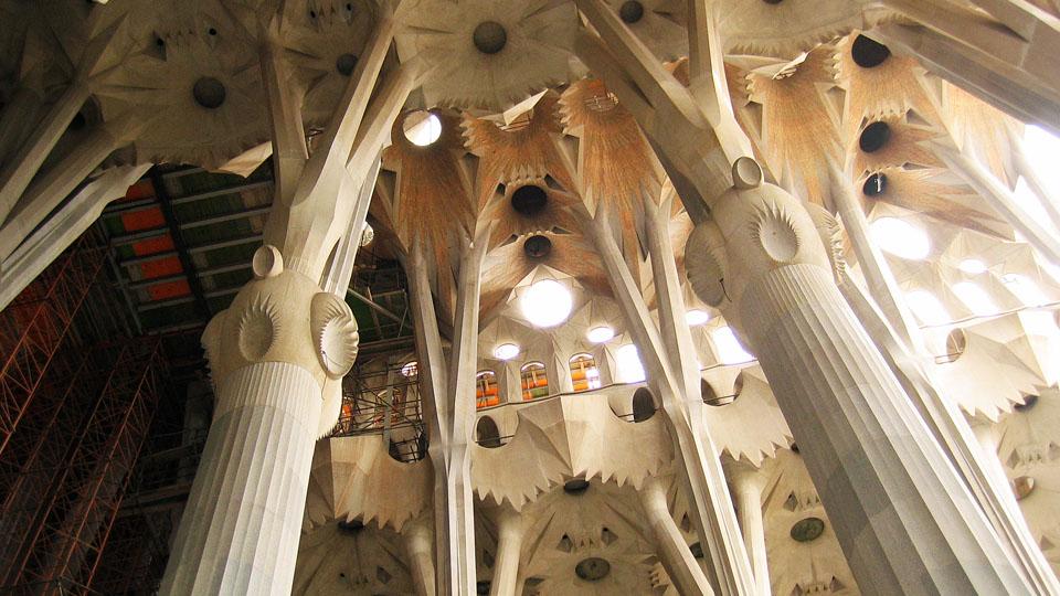 Sagrada-Familia-ceiling