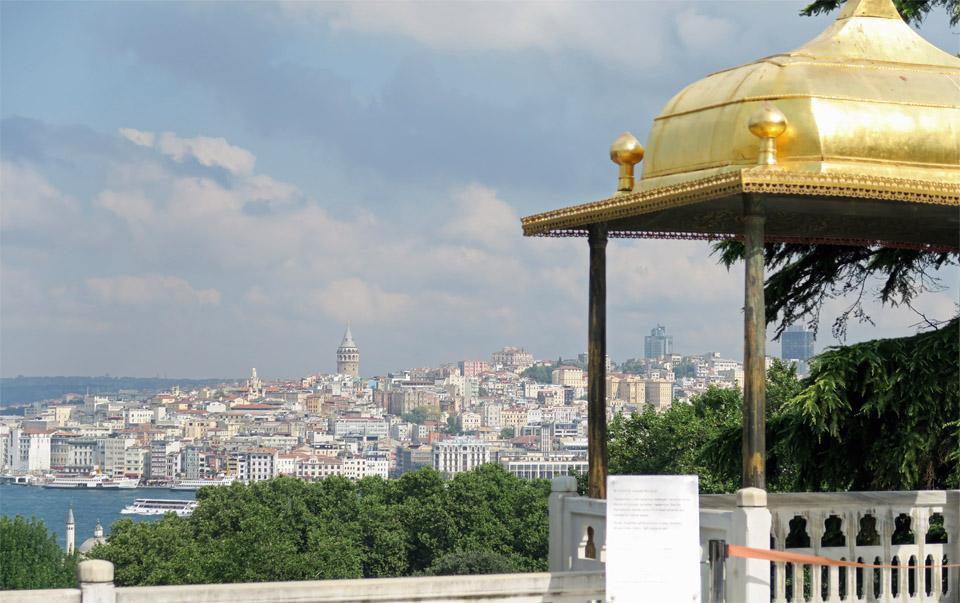 トプカプ宮殿からのガラタ塔